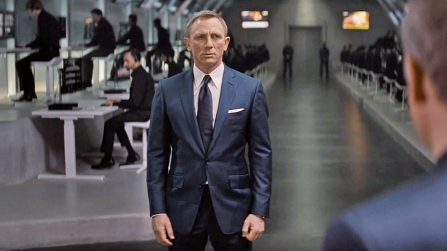 Spectre-Blue-Sharkskin-Suit-4